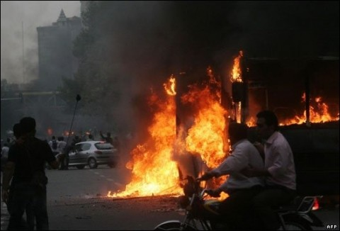 iran_bus_fire