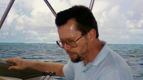 larry_hilbloom_boat