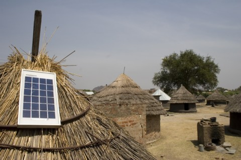 solarpower-africa-eight19-thatchedroof3